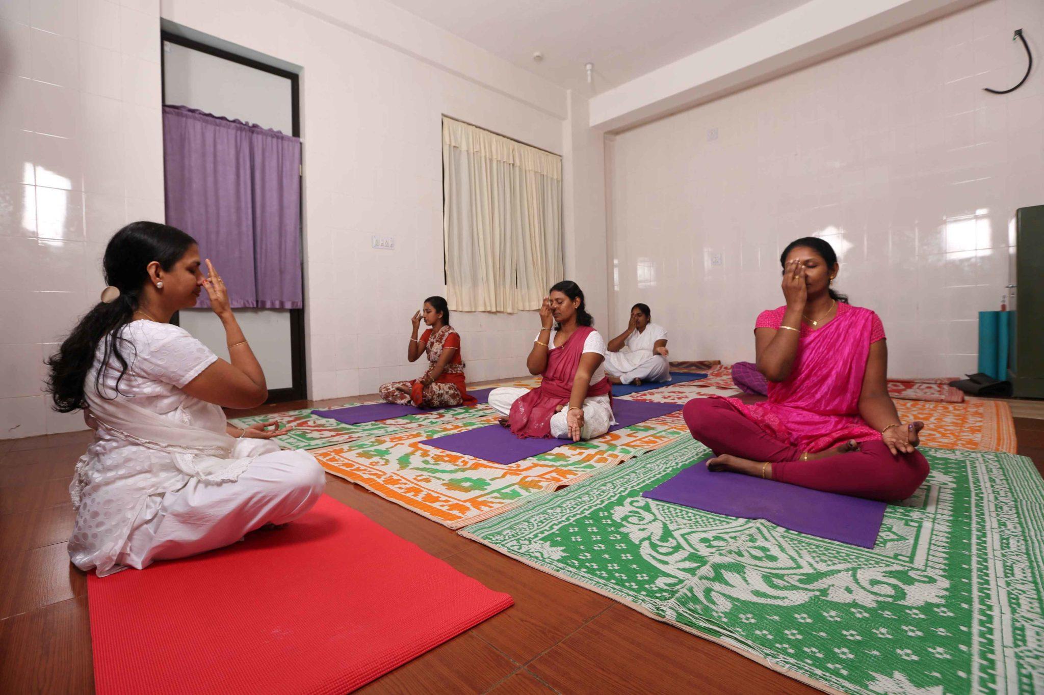 sreedhareeyam-ayurvedic-eye-hospital-research-centre-9
