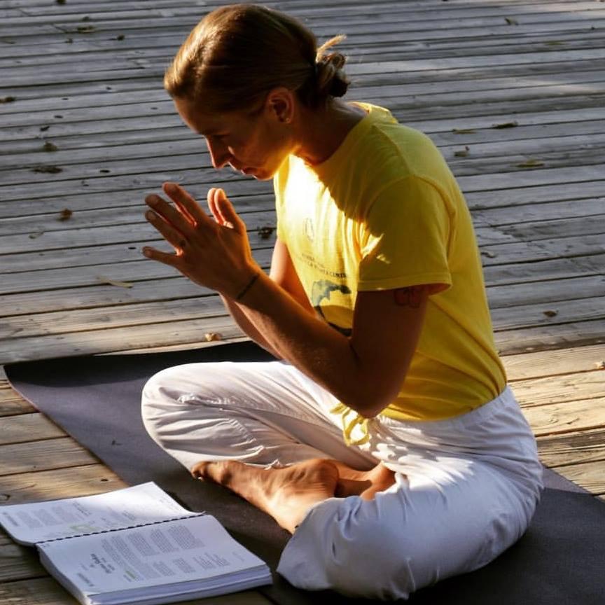 sivananda-ashram-yoga-farm-california-11