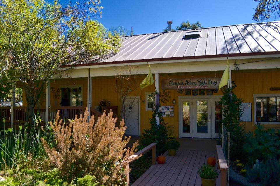 sivananda-ashram-yoga-farm-california-5