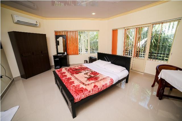 sree-chithra-ayur-home-15