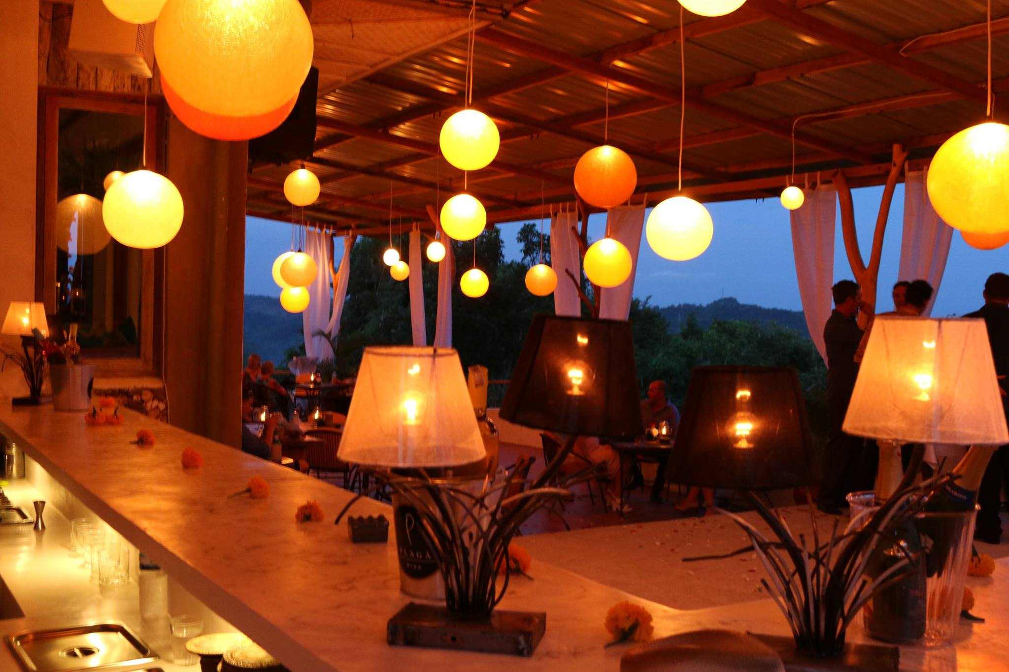 ashtari-restaurant-and-yoga-shala-indonesia-7