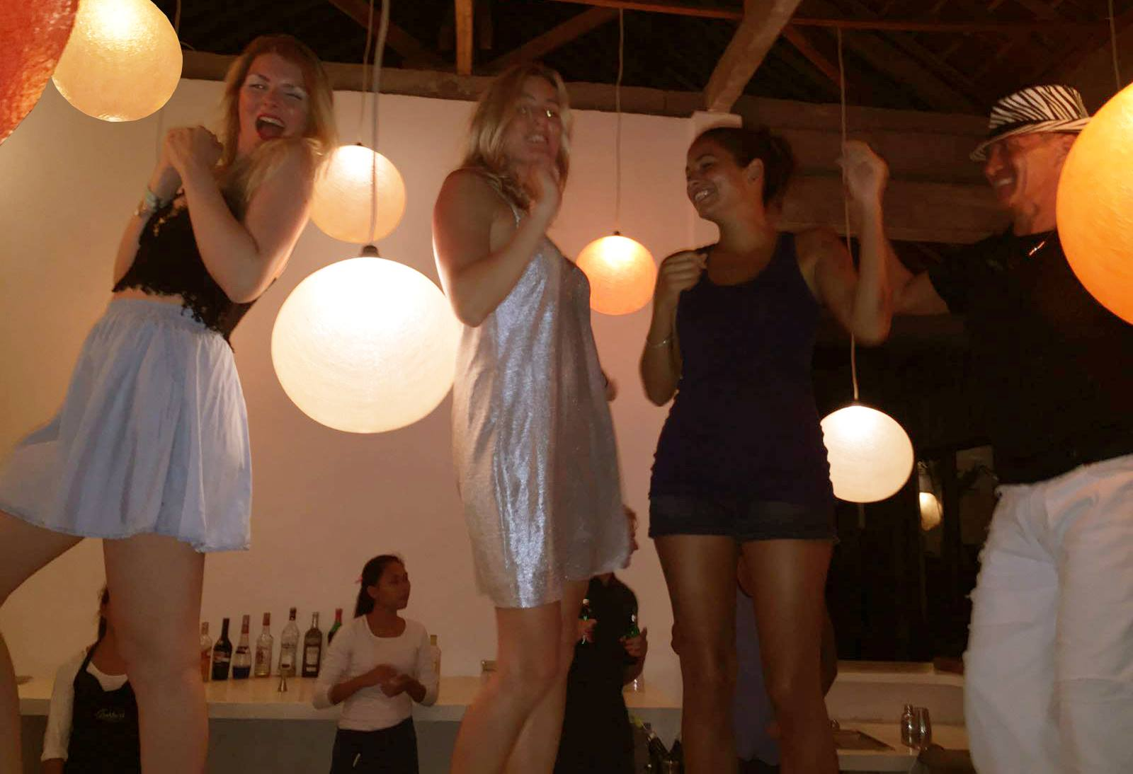 ashtari-restaurant-and-yoga-shala-indonesia-5