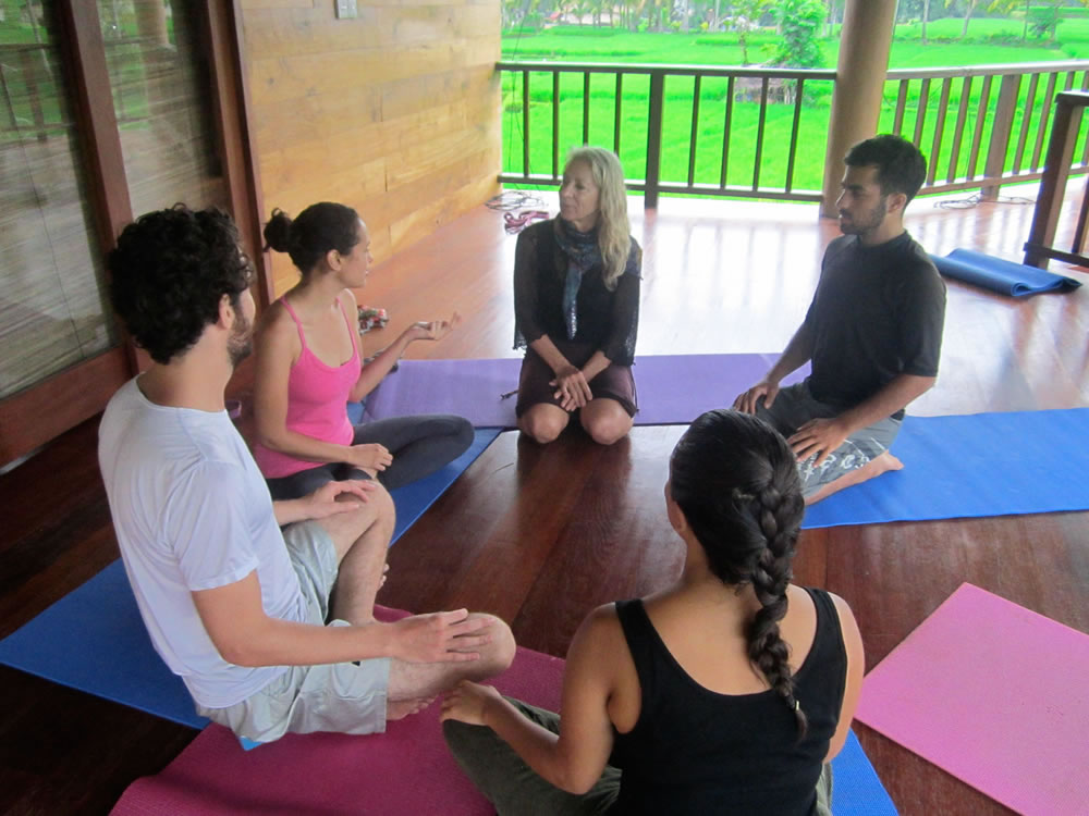 ubud-yoga-house-studio-indonesia-5
