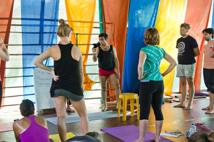 28-days-200-hrs-yoga-teacher-training-at-mahi-yoga-center-rishikesh-india.jpg