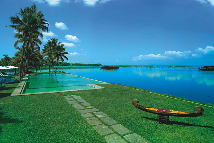 7-days-ayurvedic-beauty-care-package-at-kumarakom-ayurvedic-resort-kerala-india.jpg