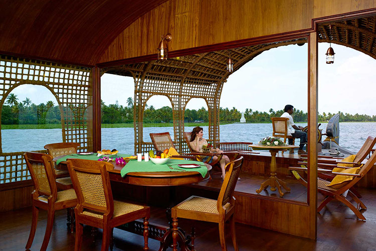 7-days-ayurvedic-de-stress-package-at-kumarakom-ayurvedic-resort-kerala-india.jpg